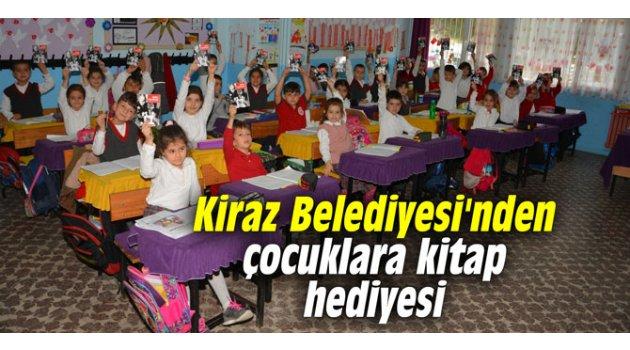 Kiraz Belediyesi'nden çocuklara kitap hediyesi